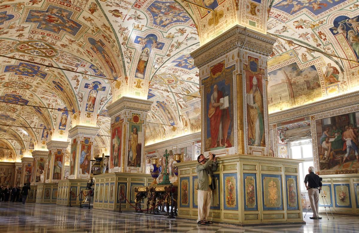 ss-100915-vaticanlibrary-04.ss_full